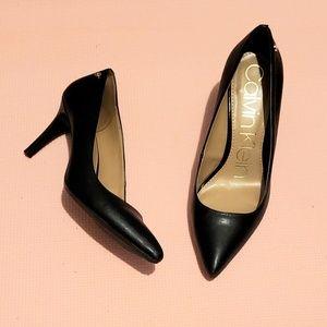 """Calvin Klein Brady 3"""" Pump in Black Size 7"""